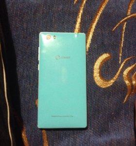 Телефон (обмен на iPhone 4s) Андройд модель SENSEI
