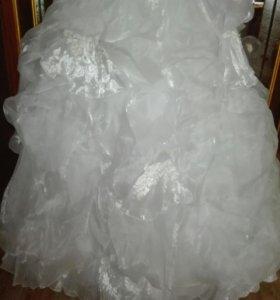 Свадебное платье новое(перчатки в подарок)