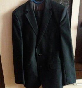 Продается мужской костюм в отличном состоянии