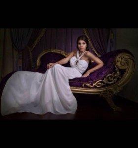 Шикарное платье новое размер 42-44-46