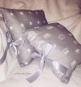 Бортики подушки в кроватку для новорожденных