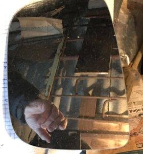 Элемент зеркала на Volvo XC60