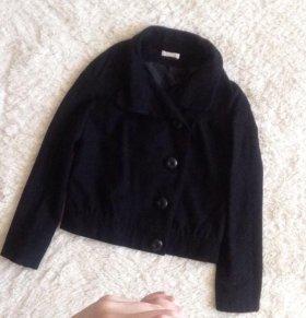 Продам крутое драповое пальто 44 размера