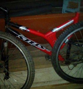Велосипедная рама с колесами