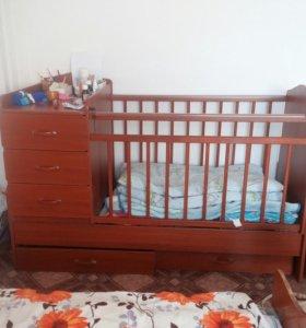 Кроватка детская. Продам за 4000. Кто заберет завт