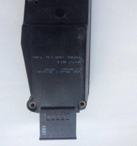 Доводчик крышки багажника Audi q7