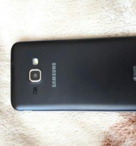 Продаю телефон Samsung J1 2016 года.