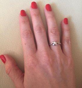 Новое кольцо с бриллиантом
