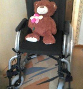 Инвалидная коляска (комнатная)