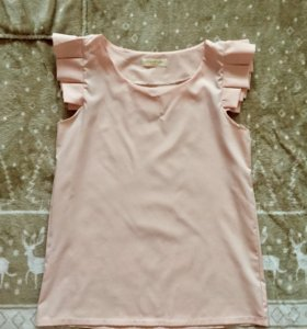 Элегантная персиковая блузка