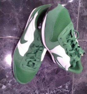 Мужские новые кросовки