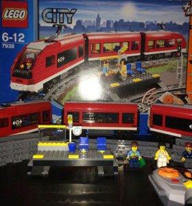 Пассажирский поезд LEGO City 7938