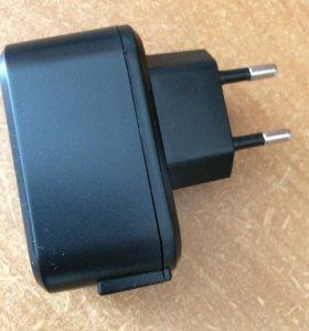 Адаптер-зарядное устройство