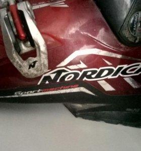Лыжные ботинки Nordica.