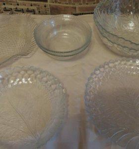 Набор салатников и тарелок