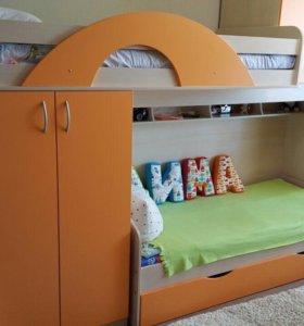 Срочно продам комплект детской мебели