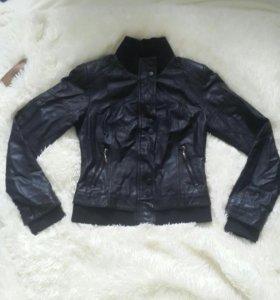 Продам куртку хорошего качества