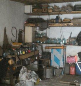Продам гараж возле роддома.