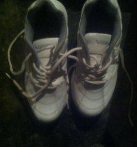 Продам кроссовки 37,36 размера