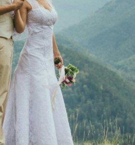 Свадебное платье + туфли.