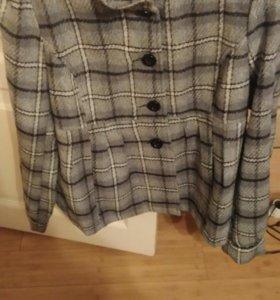 Женское пальто-куртка