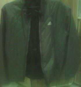 Двух сторрнняя легкая курточка