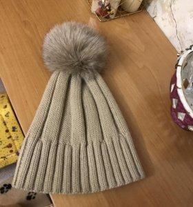 Продам шапку с натуральным пумпоном