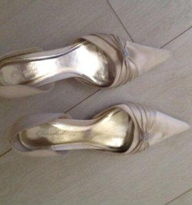Открытые туфли кожа 38 размер
