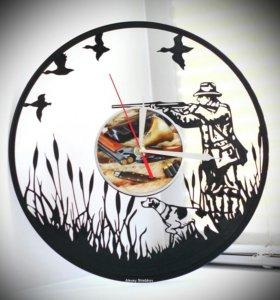 """Настенные часы """"Удача охотника"""" из пластинки"""