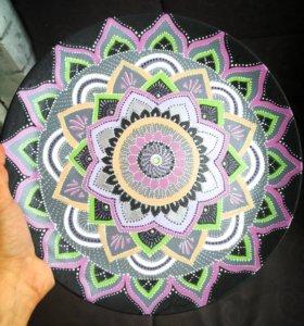 Декоративная тарелка в интерьер