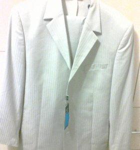 Новый фирменный костюм