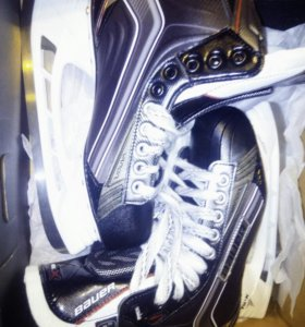 Коньки хоккейные, новые