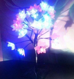 Деревья Светящиеся разные.