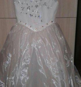 Нарядное платье для девочки 7-9ет