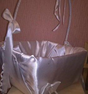 Свадебная корзина для подарков и подушка для колец