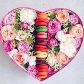 Подарочные коробочки с живыми цветами