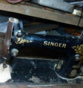 Швейная машинка Singer со станиной