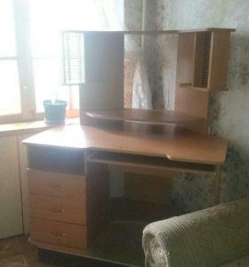 Удобный угловой стол для пк