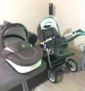 Детская коляска фирмы Jedo