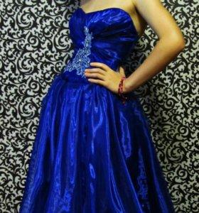 Новое веченее платье
