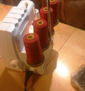 Швейная машина оверлок Bernina+ 870D