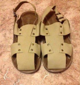 Новые кожаные сандали