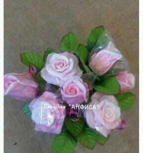 Благоухающий букет из мыльных роз в корзине