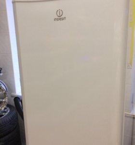 Холодильник Indesit B18NF