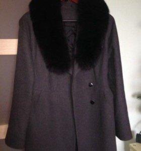 Пальто утеплённое демисезонное 46-48 мех песец