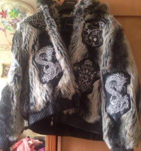 Очень тёплая , куртка  привезена из Америки  48-50