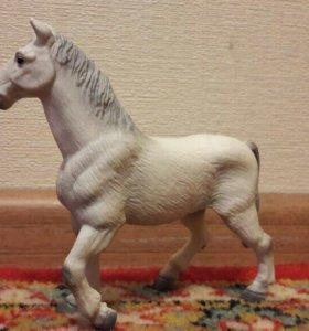 Коллекционная лошадь.