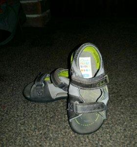 Clarks сандалии 23р 13.7см