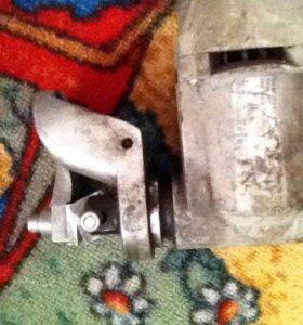 Листовые ножницы по металлу електрическая