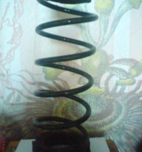 Стойки заднии и пружина на хендай солярис